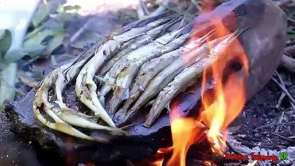 Primitive_Technology_-_Eating_delicious_-_Awesome_cooking_fish_in_forest